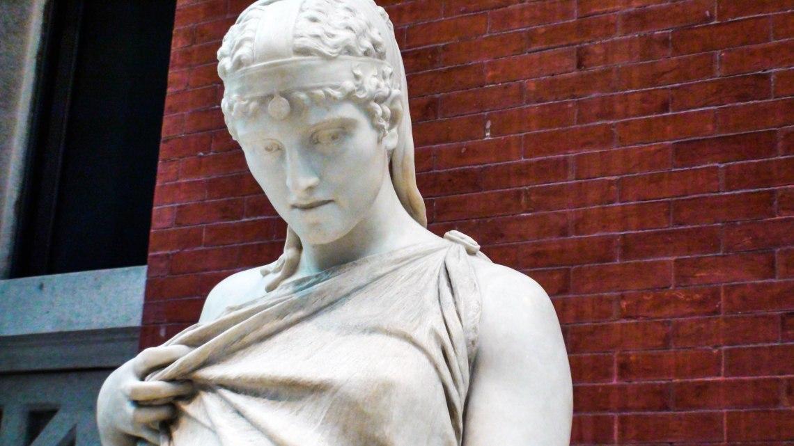 statue 2-1