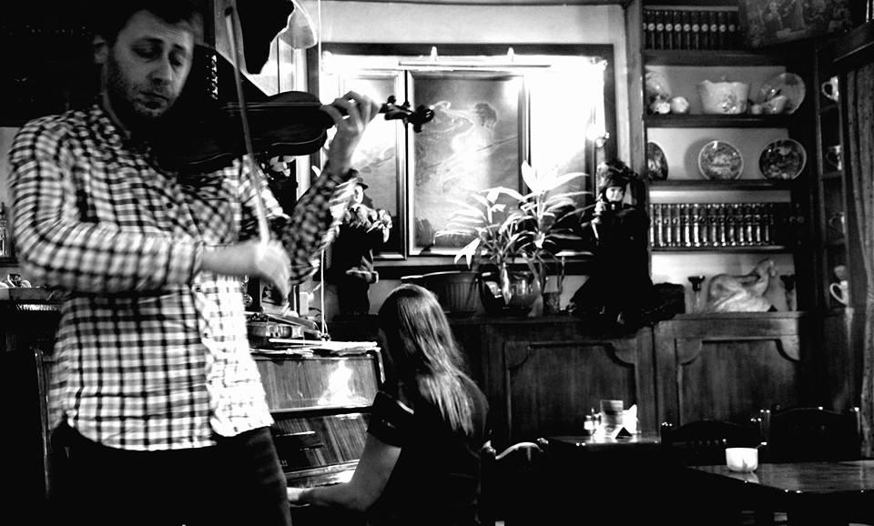 Au Café Marguerite, Etang des Patriarches, Moscou. Novembre 2014 (Photo : André Lange-Médart)