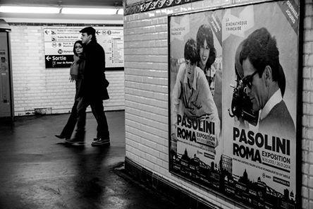 Pasolini dans le métro parisien. Décembre 2013 (Photo André Lange-Médart)