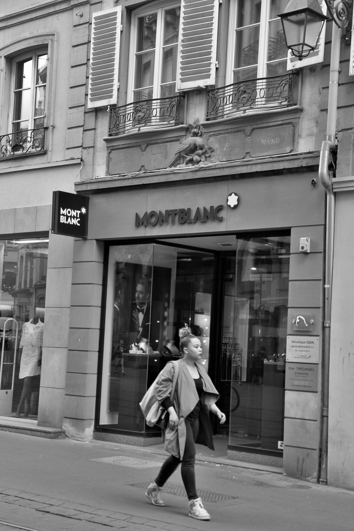 Ancienne Librairie de la Mésange. Rue de la Mésange, Strasbourg.