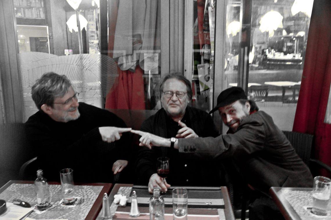 André Lange, Charles François et Jacques Lizène (Photo par Anna, fille de verrier bohème). Liège, mai 2014.