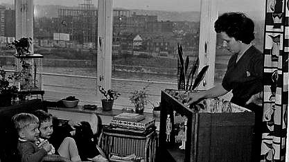 Josée, André et Jacques Lange - Quai de Rome, Liège, 1959 ou 1960. (Photo Léon Lange)
