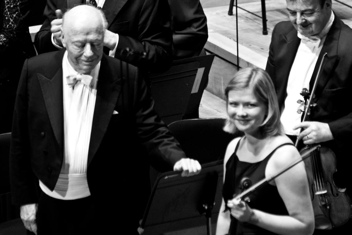 Bernard Haitink et la violoniste Alina Ibragimova  Photo André Lange-Médart