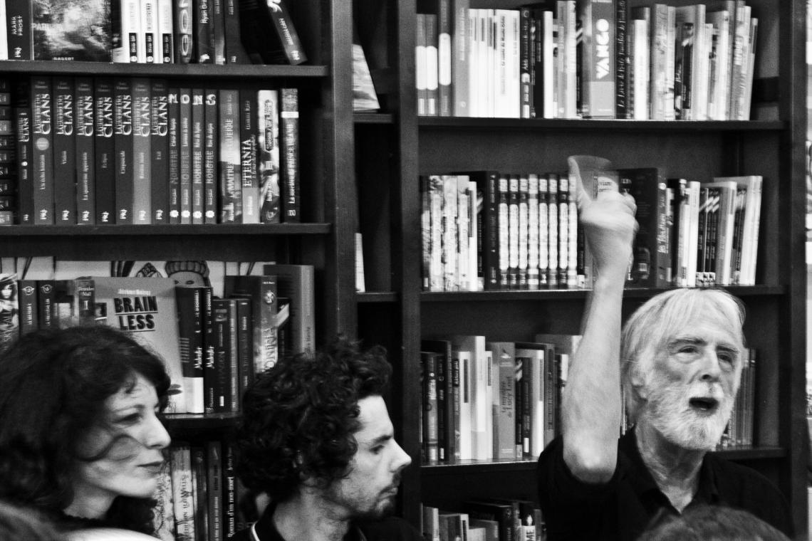 Sarah Chiche, Damien Aubel et Michael Haneke à la librairie Les guetteurs du vent (Paris, 3 juillet 2015). Photo André Lange-Médart.