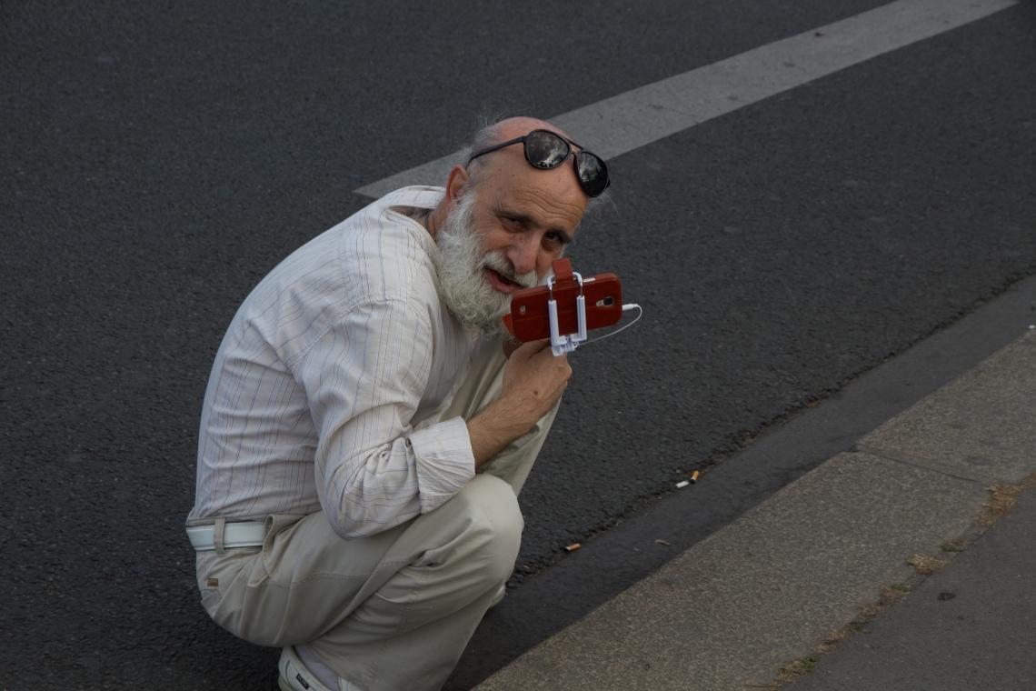 Le selfiste Photo : André Lange-Médart