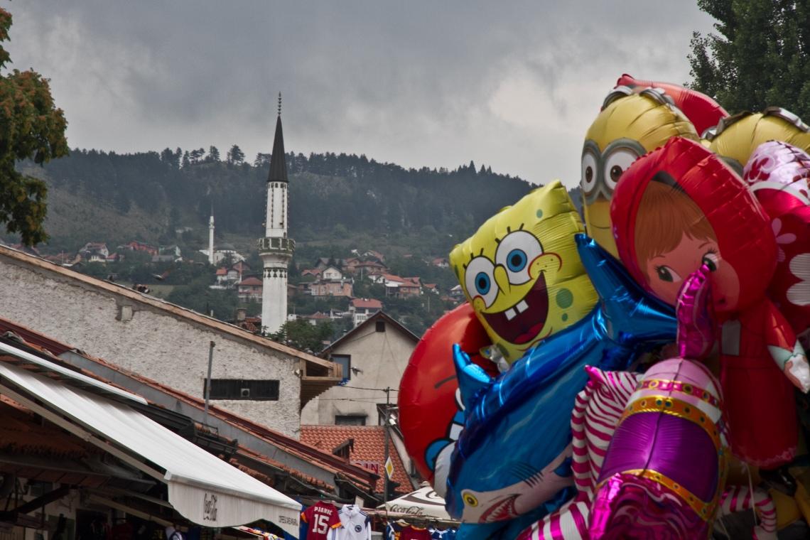 Bob l'éponge et le minaret (Sarajevo, août 2015) Photo André Lange-Médart