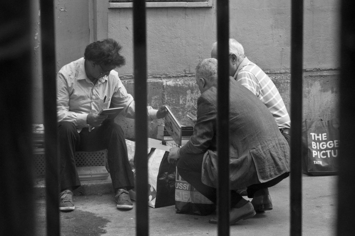 Changeurs de livres, rue de l'Hirondelle (juillet 2015) Photo André Lange-Médart