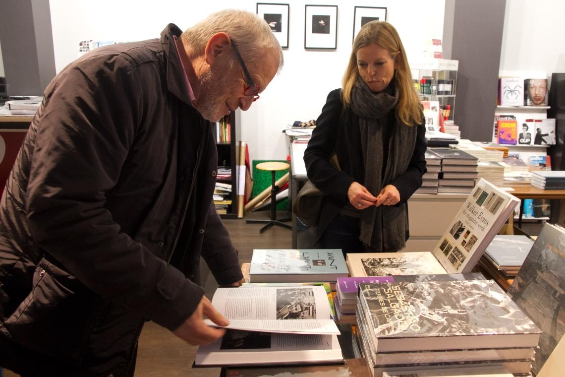 Nathalie Herschdorfer, coordinatrice du Dictionnaire de la photographie, et Marc Lenot, un des auteurs. (Photo : André Lange-Médart).