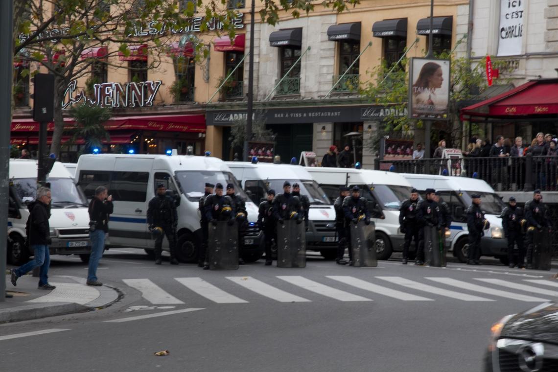A l'entrée du Boulevard du Temple (Photo : André Lange-Médart)