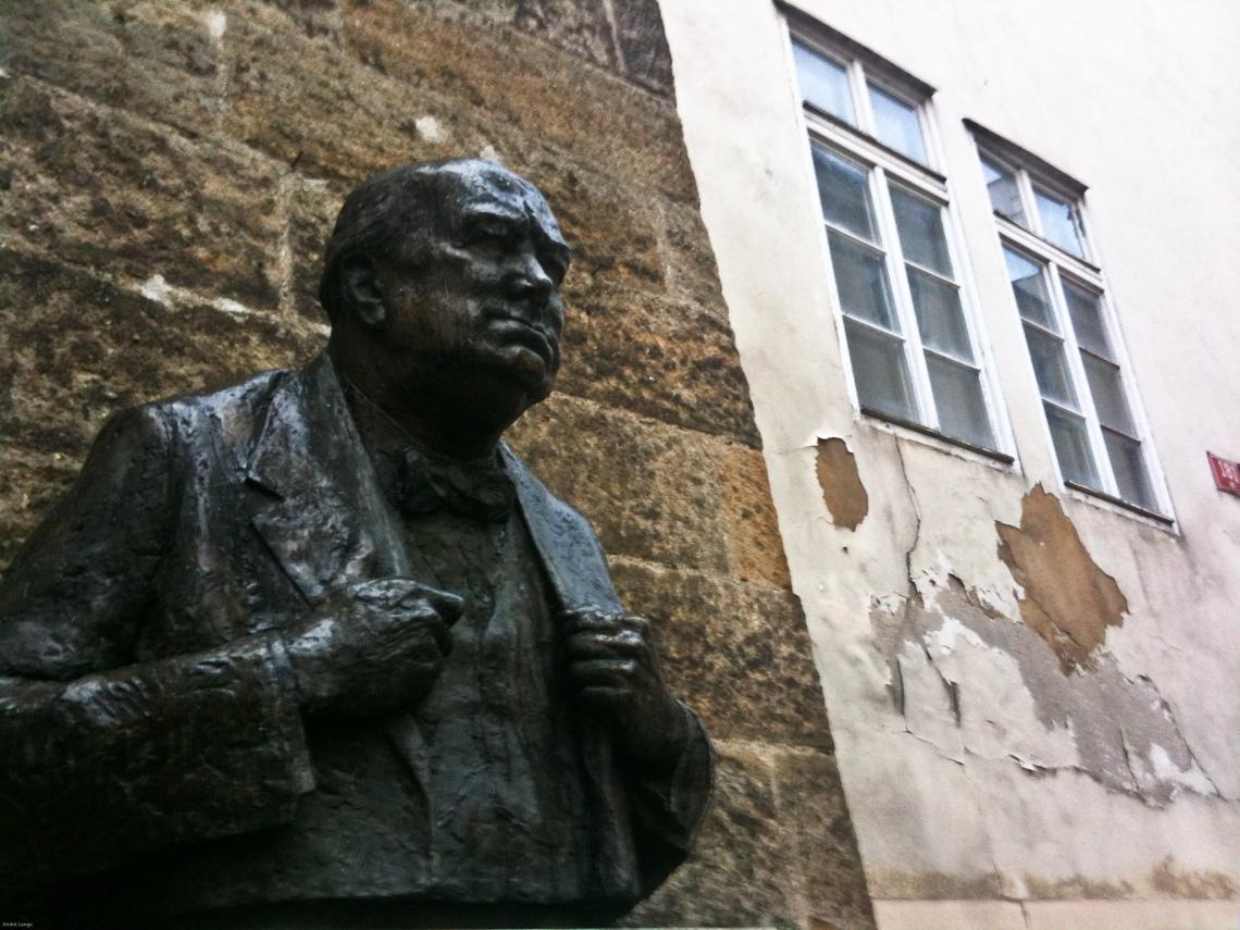 Buste de Churchill (Prague, octobre 2009). Photo André Lange-Médart